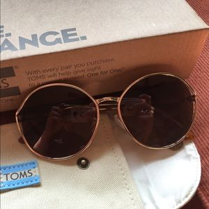 d2795f4bedc6 Toms Accessories | Brand New Blythe Sunglasses | Poshmark